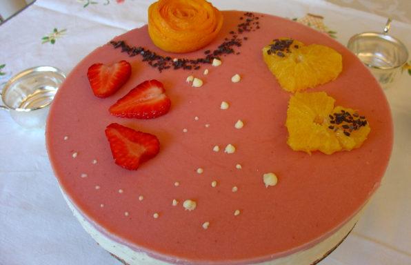 torta con fragole e arance