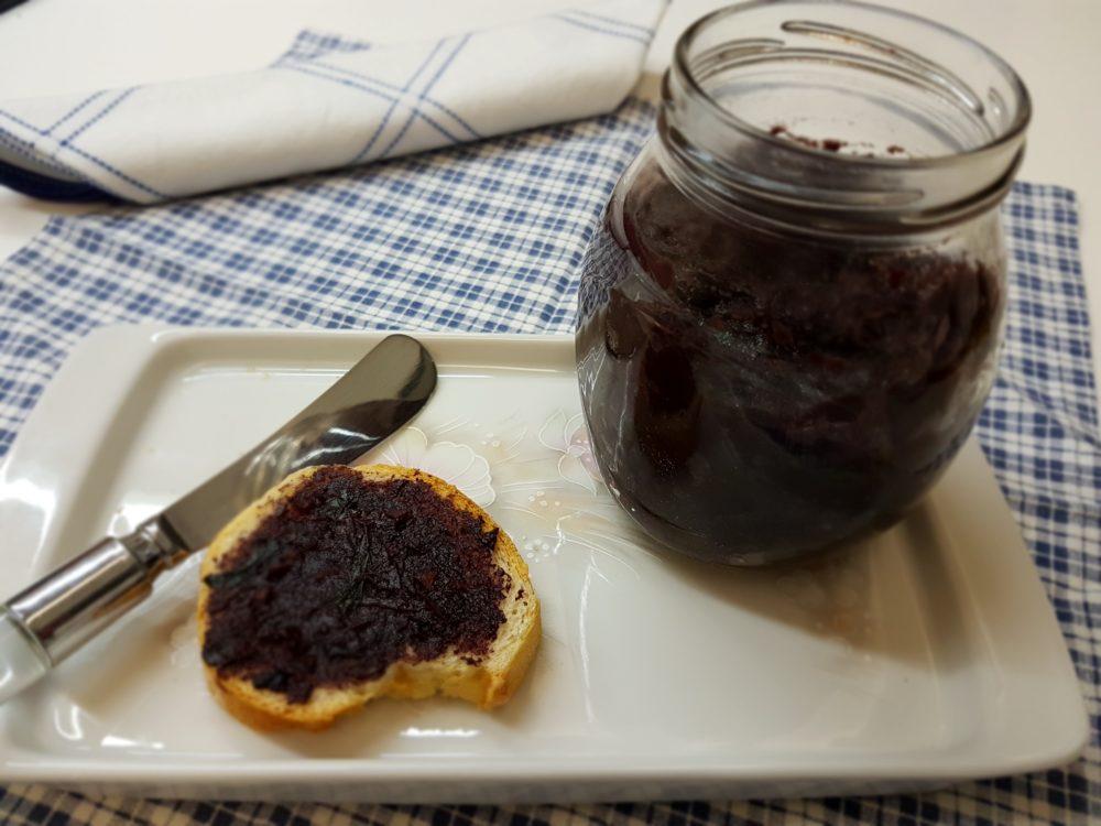 pesto di olive nere dolci pugliesi bimby