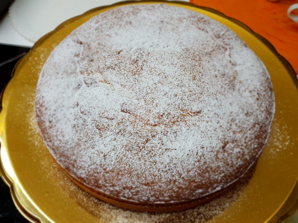 torta con crema di pere