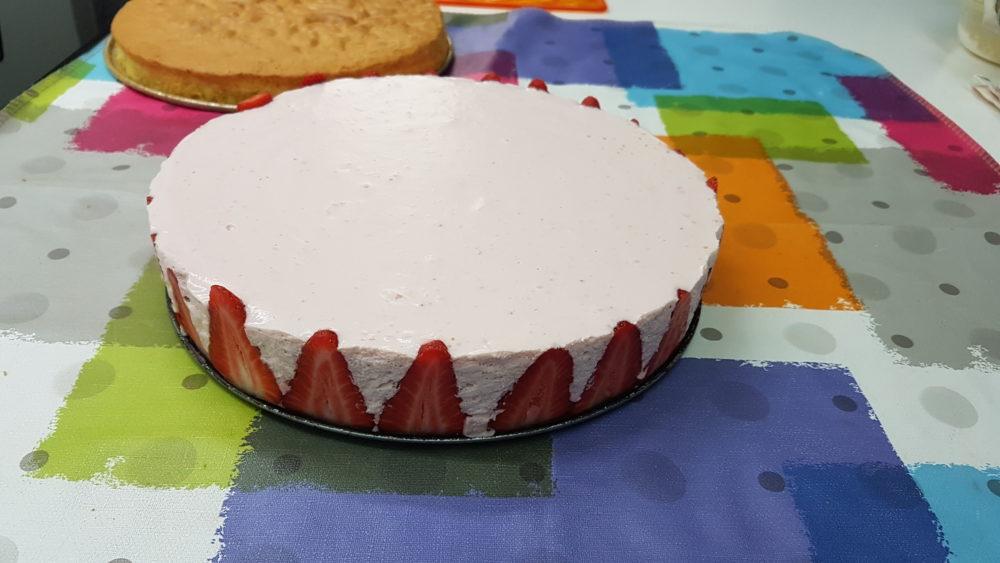 torta di fragole e mousse