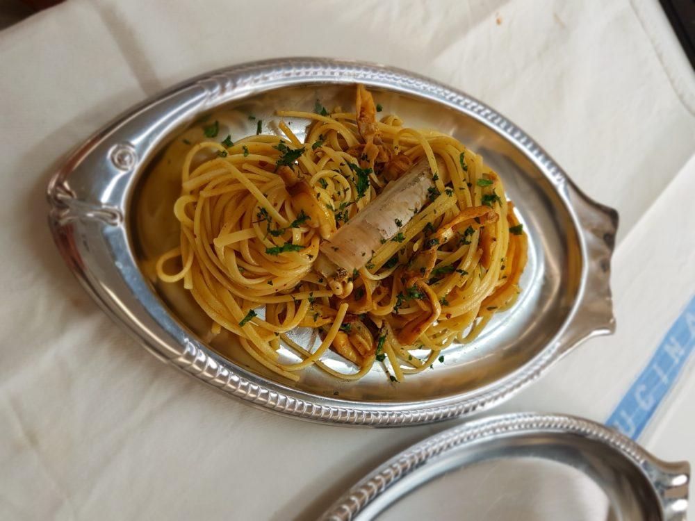 pasta con ricci e cannolicchi