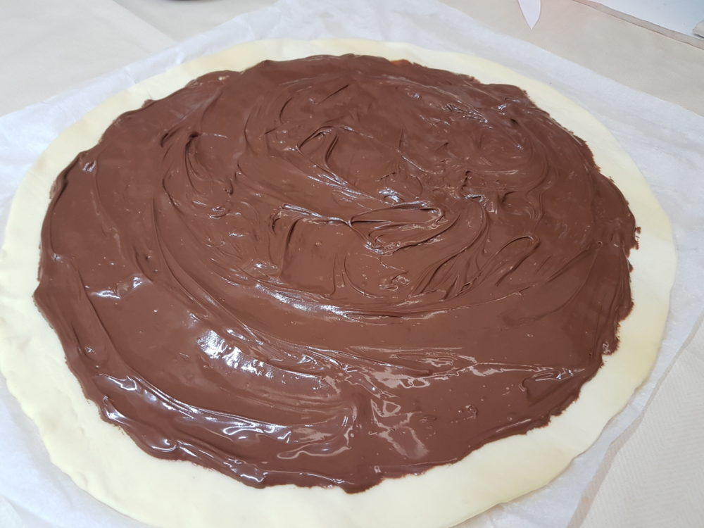 torta con sfoglia e nutella