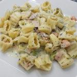 pasta con salmone tonno e zucchine